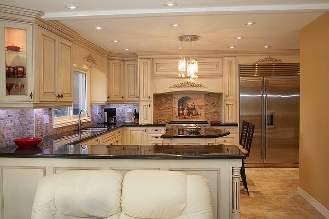 velká kuchyně, veliká lednice