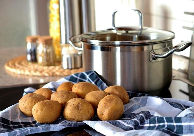 brambory u hrnce